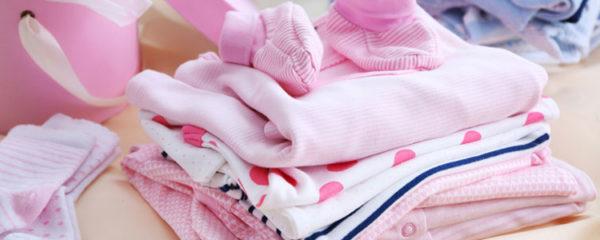 Choisir les vêtements de votre bébé fille